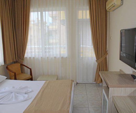 Kleopatra Bavyera hotels-Triple Oda 02